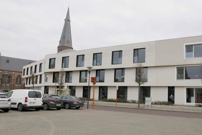 Op het stuk Sint-Maartensplein aan het woonzorgcentrum zal eenrichtingsverkeer ingevoerd worden.© foto Coghe