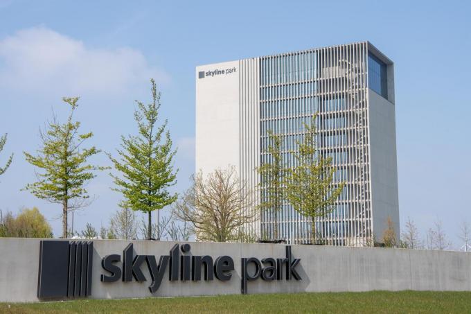 Sociale huisvestingsmaatschappij IZI Wonen was van plan in dit gebouw een luxueus kantoor te huren.© FM
