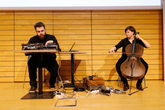 Opvallend is de Crafts by Bokrijk Gold Award voor het Strijkinstrumenten uit Vlas.©Kevin Faingnaert