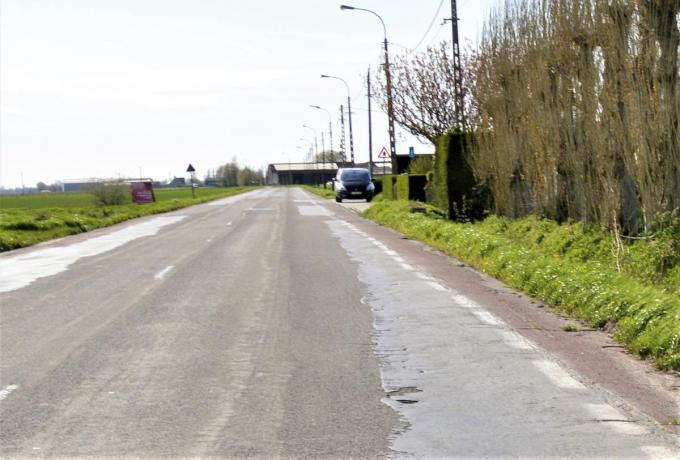 Tussen De Haan en Nieuwmunster komt er een nieuw, veilig fietspad.© WK
