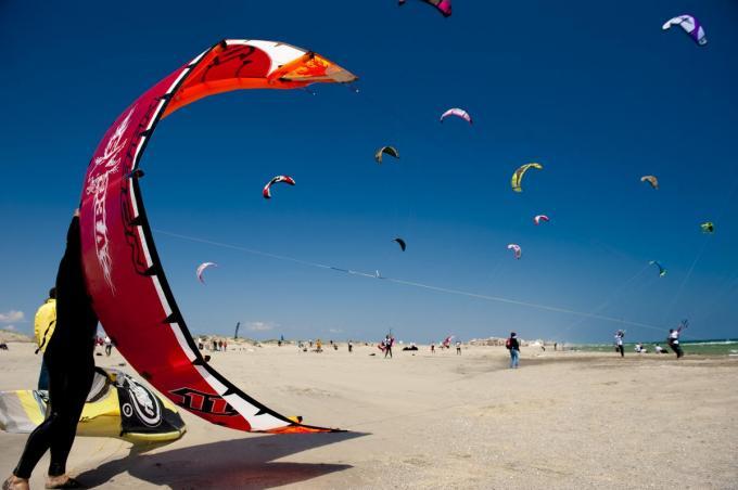 Canet is een paradijs voor kitesurfers.© Igor Vandenberghe