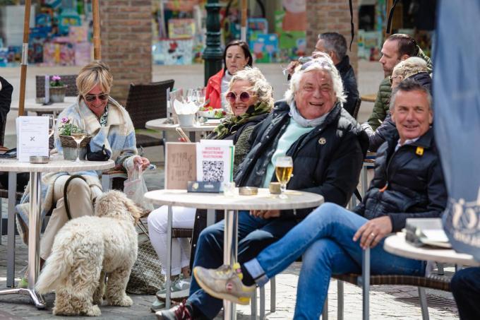 De terrasjes in Sluis liepen meteen goed vol.©Davy Coghe Davy Coghe