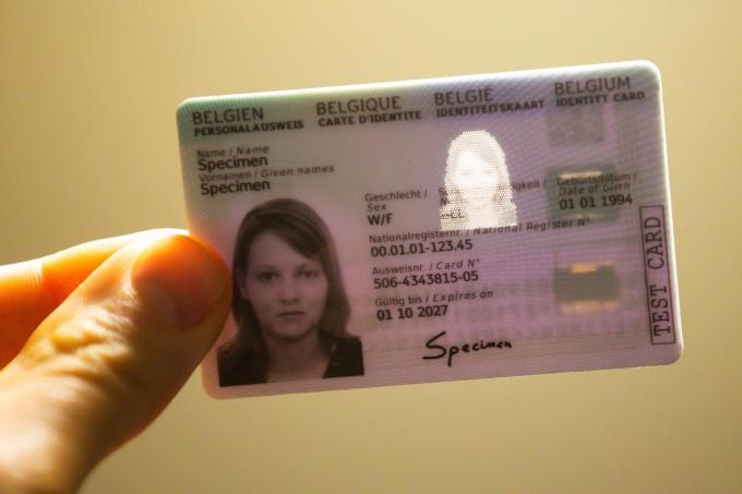 In de ene gemeente betaal je meer voor een nieuwe identiteitskaart dan in de andere.©NICOLAS MAETERLINCK BELGA