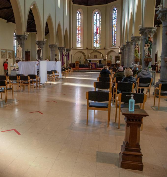 De Heilig-Hartkerk deed ook al even dienst als vaccinatiecentrum voor de Sint-Jozefskliniek. (foto Frank)©Frank Meurisse Frank Meurisse