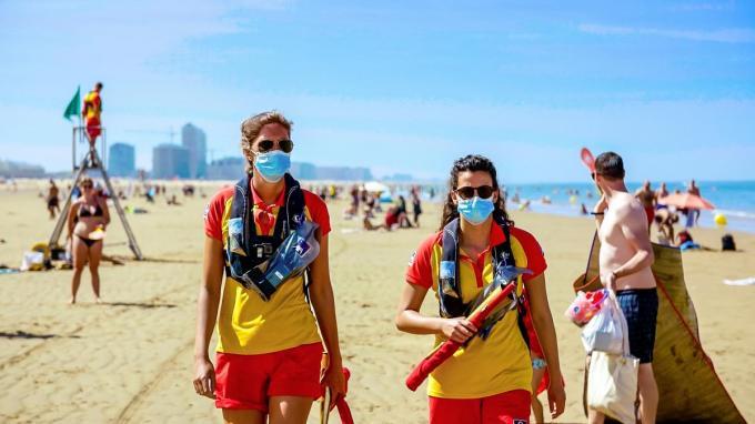 Voor de ordediensten aan onze kust werd de zomer van 2020 eentje om nooit te vergeten. (foto VTM)