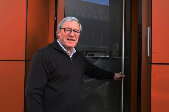 Danny Jonckheere trekt letterlijk de deur van de vrije basisschool definitief achter zich dicht.© RB