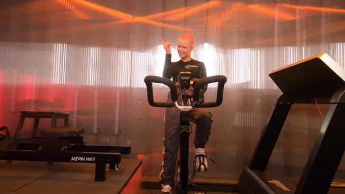 Maxime 'MadMax' Blieck imponeerde aan de monkey bars, maar het fietsen was een pak minder.© Play4
