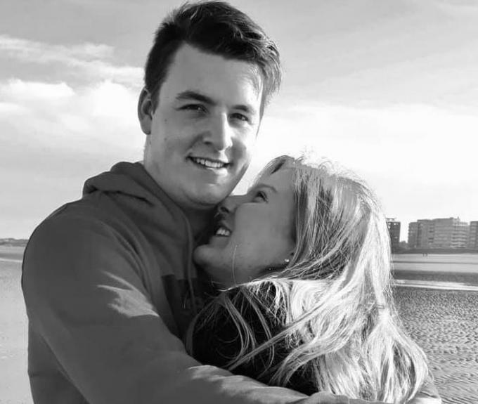 Wijlen Bert en zijn vriendin Emelie met wie hij volop toekomstplannen smeedde.© GF