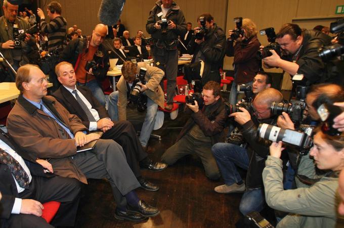 Pol Hauspie en Jo Lernout van L&H in 2007 in de rechtbank in Gent.©Ronny Neirinck KRANT VAN WEST-VLAANDEREN