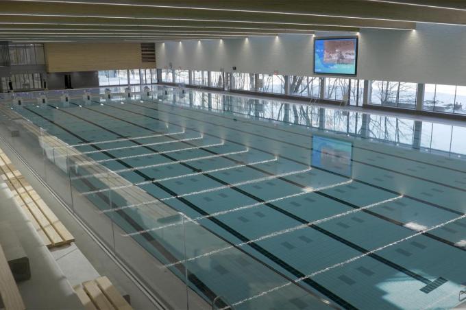 Vooruit vindt het jaarabonnement voor baantjeszwemmers in het nieuwe zwembad te duur. (foto PM)©Peter MAENHOUDT