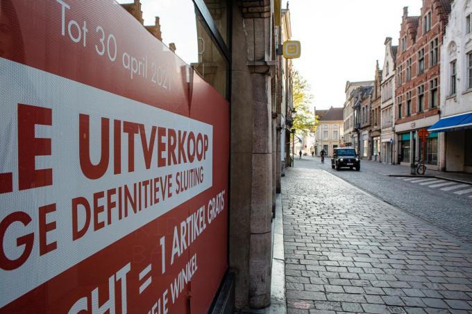 'Te koop', 'Te huur', 'Totale uitverkoop': de winkelstraten in het Brugse centrum lopen leeg.© Davy Coghe