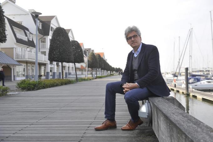 Burgemeester Geert Vanden Broucke (CD&V) denkt dat de aanleg van gripstrips geen afdoende oplossing zal brengen.©Isabelle Vanhassel IV