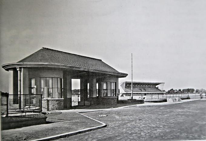 Het poortgebouw in 1953.© GF
