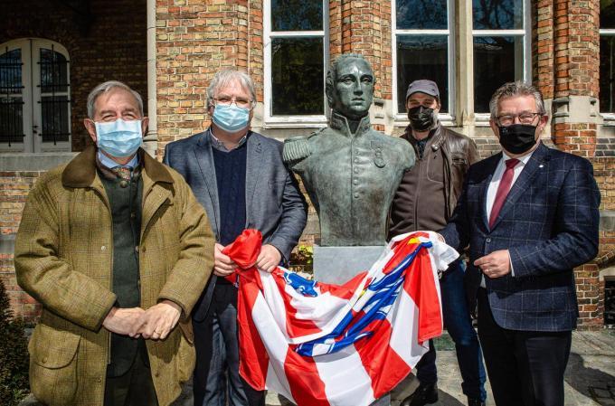 dr. William De Groote, Jan Tamsin, burgemeester Dirk De fauw en Nico Blontrock© Davy Coghe