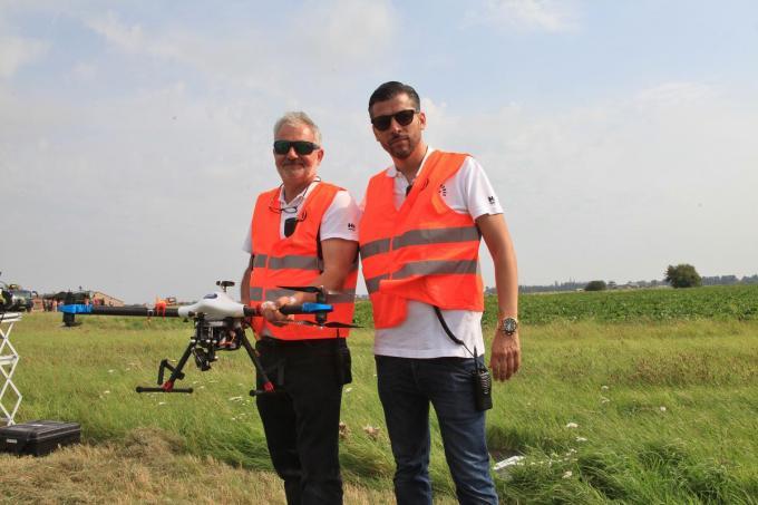 Ceo Elwin Van Herck van Bafa Noordzee Drones (rechts) met instructeur Wim De Schutter.© MVO