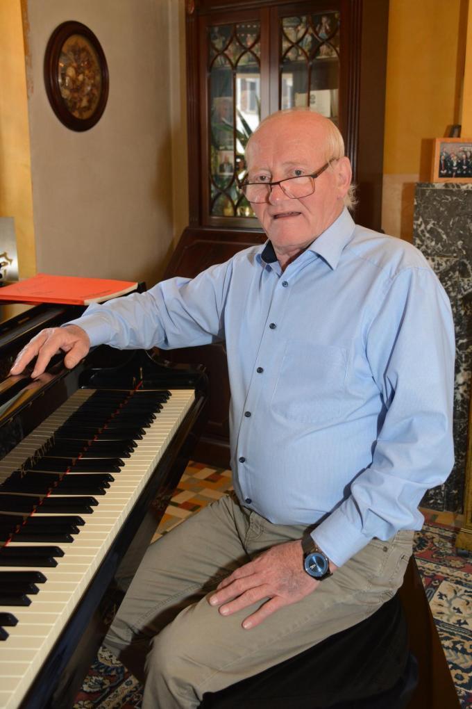 Organist worden was geen droom voor Paul Vanmaele, hij wilde profvoetballer worden.© HDV