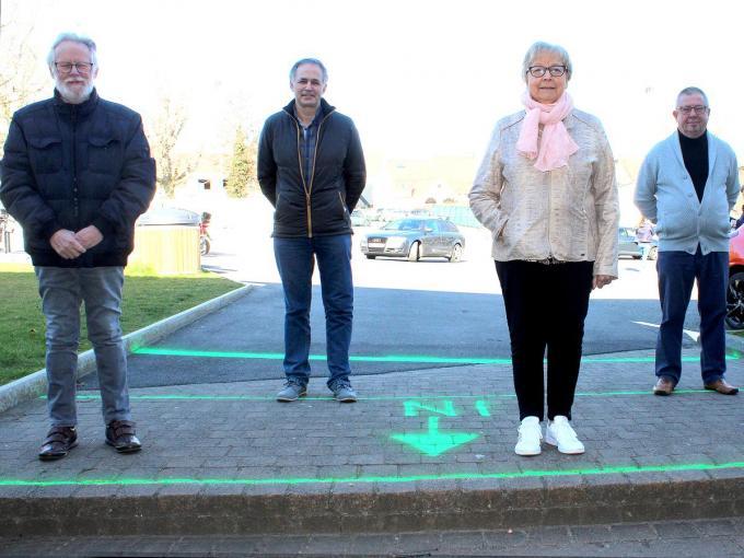 De bestuursleden van VFG Lauwe met Jacky Behaegels, Marc Paelinck, Brigitte Verzele en Jim Pattyn gaven wat uitleg over hun vereniging. (foto WO)