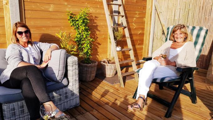 Marijke (rechts) en haar dochter Linde De Leeuw.© GF