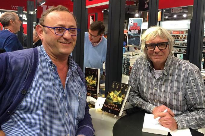 """""""Als het Boekenbeurs was, gingen we altijd samen iets eten in Blankenberge"""", herinnert Patrick Kina zich.© Wim Kerkhof"""
