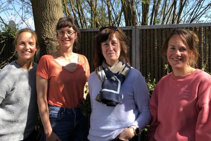 Vorig weekend was Olympisch atlete Emma Plasschaert (links) even in het land. We zien ze met v.l.n.r. zus Lise, mama Greet en zus Katrien.© Gillian Lowyck