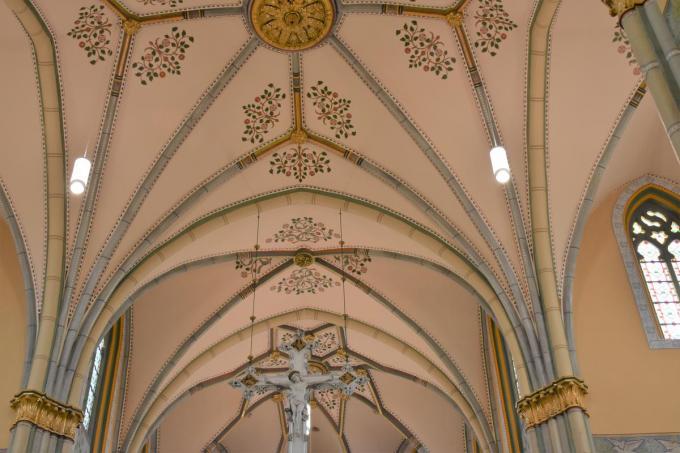 Tijdens de werken kwam prachtige oude decoratie weer tevoorschijn.©TOM VAN HOUTTE foto TVW