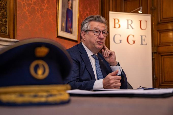 Burgemeester Dirk De Fauw gaf een stand van zaken rond corona mee.©KURT DESPLENTER BELGA