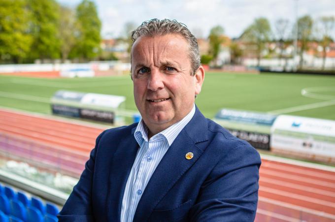 Vincent Van Honsebrouck laat bij zijn voetbalvereniging iedereen aan bod komen, van nationale talenten tot beoefenaars van wandelvoetbal.© Davy Coghe