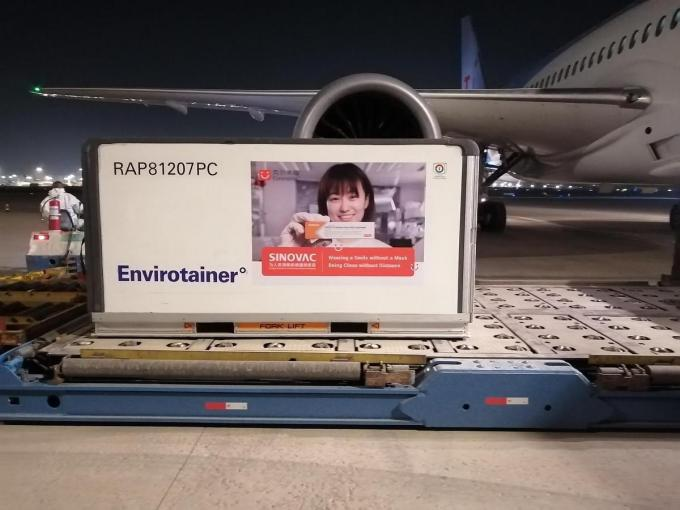 TUI fly vloog ook al het Chinese vaccin Sinovac over.© GF