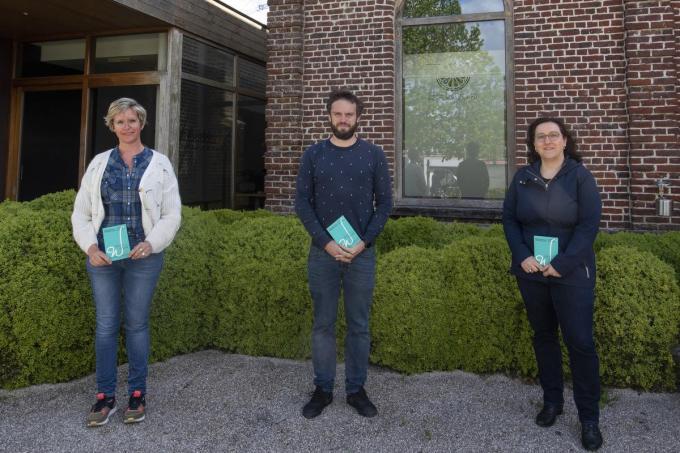 Schepen Loes Vandromme en cultuurmedewerkers Matthias Breyne en Jessy Clynckemaillie.© MD