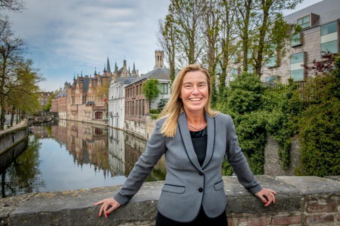 """Federica Mogherini is dol op Brugge: """"De mooiste stad waar ik ooit was. Op Rome na.""""© Christophe De Muynck"""
