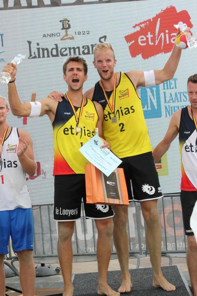 Dennis Deroey en Martijn Colson vormen al enkele jaren een succesvol beachduo. In 2018 kroonden ze zich in Knokke-Heist nog tot Belgisch kampioen.© (Foto VDB)