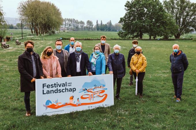 De organisatoren van het 'Festival van het Landschap' aan Spikkerelle in Avelgem.© Leiedal