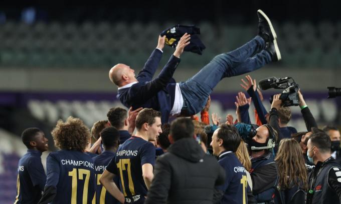 De verwachting is dat Philippe Clement ook volgend seizoen nog coach is van Club Brugge.©VIRGINIE LEFOUR BELGA