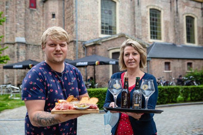 Cedric Van Nieuwenhuyse en Petra Saron van eethuis Sint-Anna.© Davy Coghe