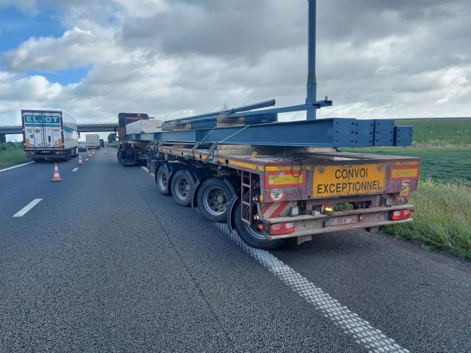 De vrachtwagen werd verplaatst.© BB