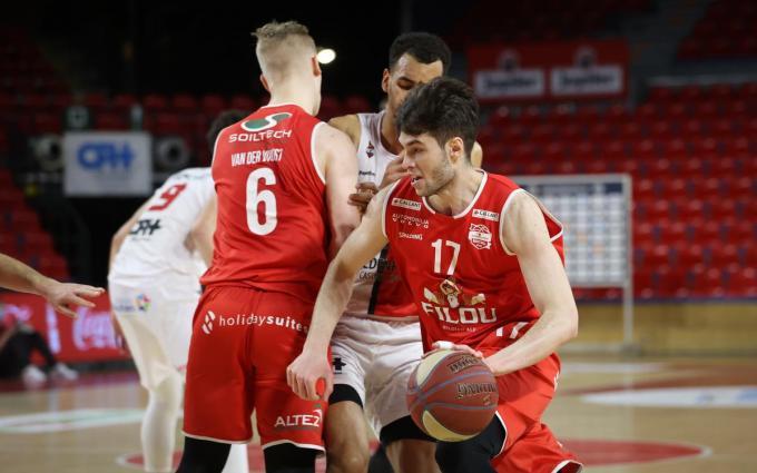 Met 13 punten aan 63%, vijf rebounds en drie assists boekte Mario Nakic de beste computerevaluatie© BELGA/VIRGINIE LEFOUR