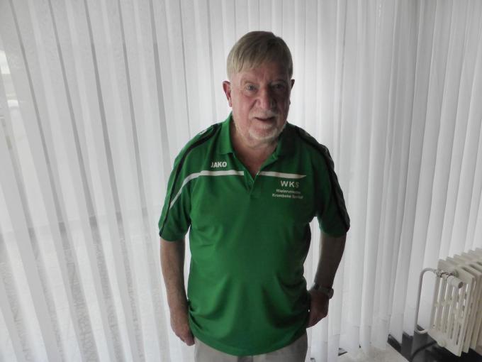 Willy Laureys ie 48 jaar actief is als wielerkoersorganisator heeft nog nooit geweten dat de koers zo lang stil lag voor de jeugd en de amateurs.© MD