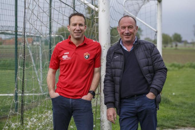Erwin Loos (links) vertrekt als trainer, sportief verantwoordelijke Winand Corneillie en zijn team vonden met Peter Deprez al een vervanger.© Jan Stragier