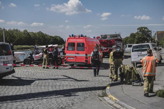 Het jaagpad werd meteen afgezet zodat politie en hulpdiensten hun werk kunnen doen.© (Foto OV)
