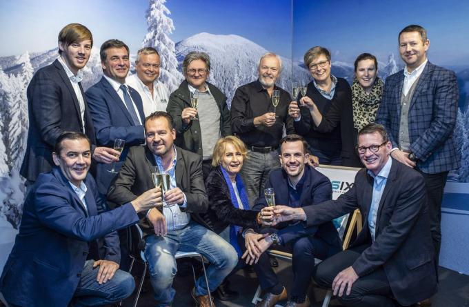 Op 12 juni wordt er in beperkte kring geklonken tijdens de Roeselare Awards op de Trax-site.