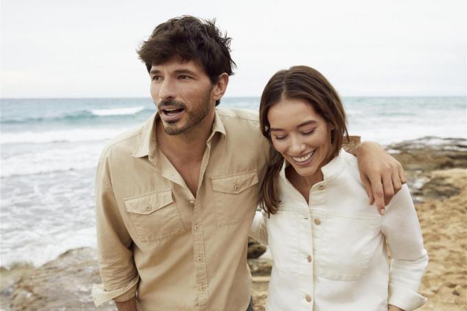 Basics om eindeloos te combineren: hemd man (59,99 euro), hemdjas vrouw (79,99 euro), van Esprit.© Esprit