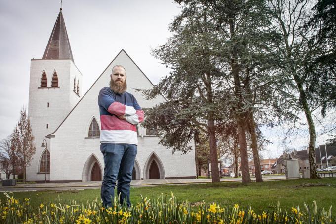 """Pastoor Matthias Noë: """"Het zal deugd doen om weer meer volk te zien.""""©JOKE COUVREUR"""