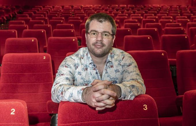 """Miguel Devriendt: """"Veiliger dan in een cinema kun je niet zitten."""" (foto Stefaan Beel)©STEFAAN BEEL Stefaan Beel"""