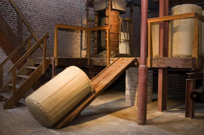 Het interieur van het Hopmuseum. Hier moet een brouwerij komen. (foto MD)©MICHAEL DEPESTELE