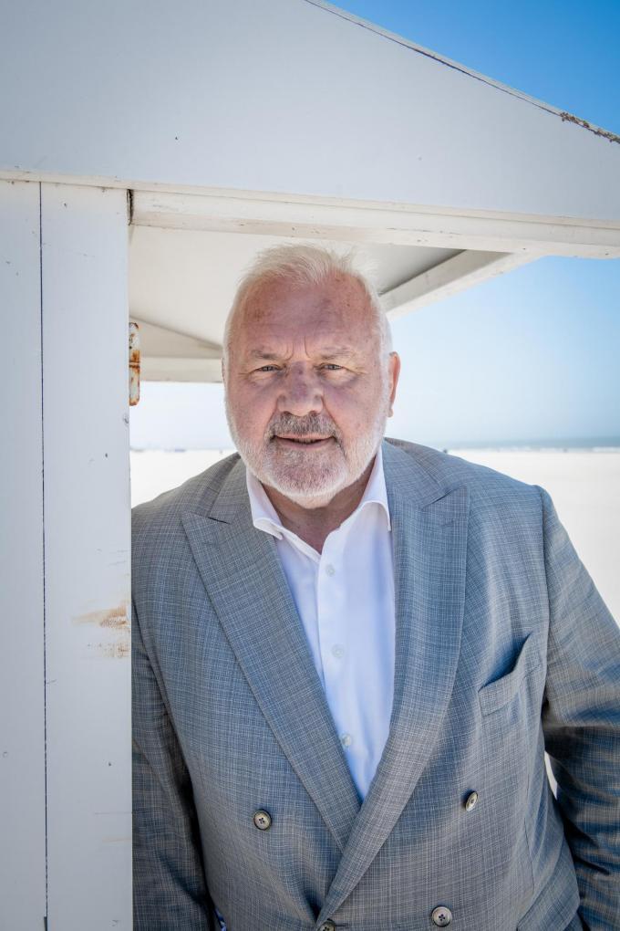 """Jean-Marie Dedecker: """"Ik voorspel miserie. Of denkt u dat de mensen braaf met vier aan een tafeltje zullen kijken naar het EK voetbal? Vergeet het maar.""""© Christophe De Muynck"""