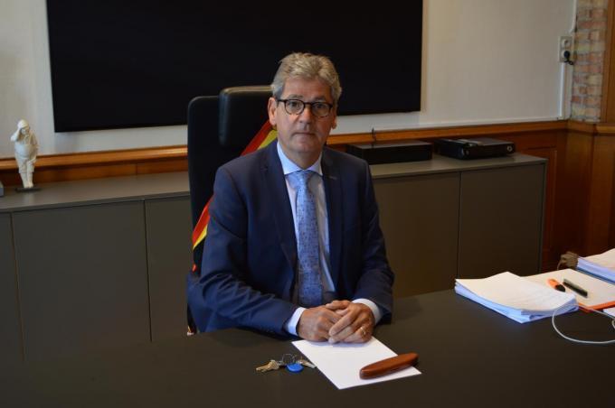 Burgemeester Geert Vanden Broucke (CD&V) noemt het een onrealistisch plan.© (Foto DV)