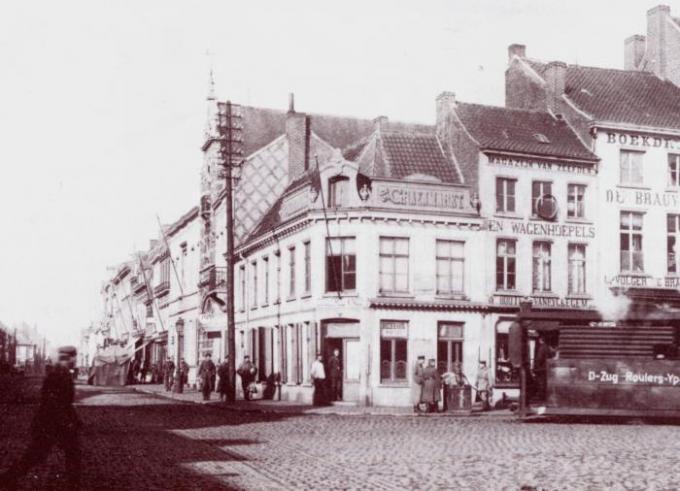 De stoomtram tuft de Noordstraat in.© (Foto collectie Eddy Lepez)