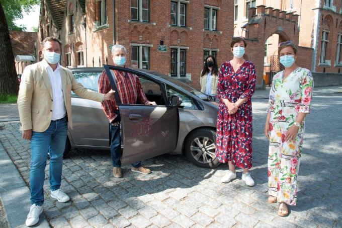 Schepen Pablo Annys doet een warme oproep naar rijbuddy's voor het Brugse ocmw.© Michel Vanneuville