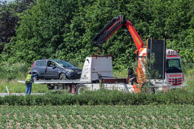 De wagen moest getakeld worden.© foto SF