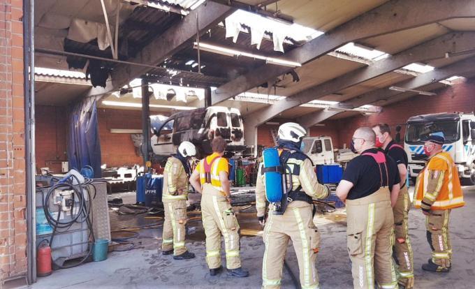 Toen de brandweer aankwam, was de brand net onder controle.© BB